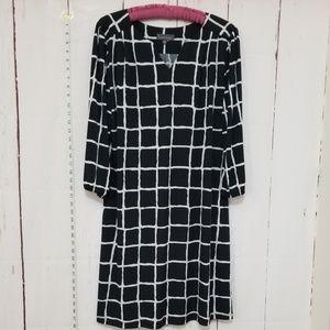 Luxology Dresses - LUXOLOGY black/white  dress size 12